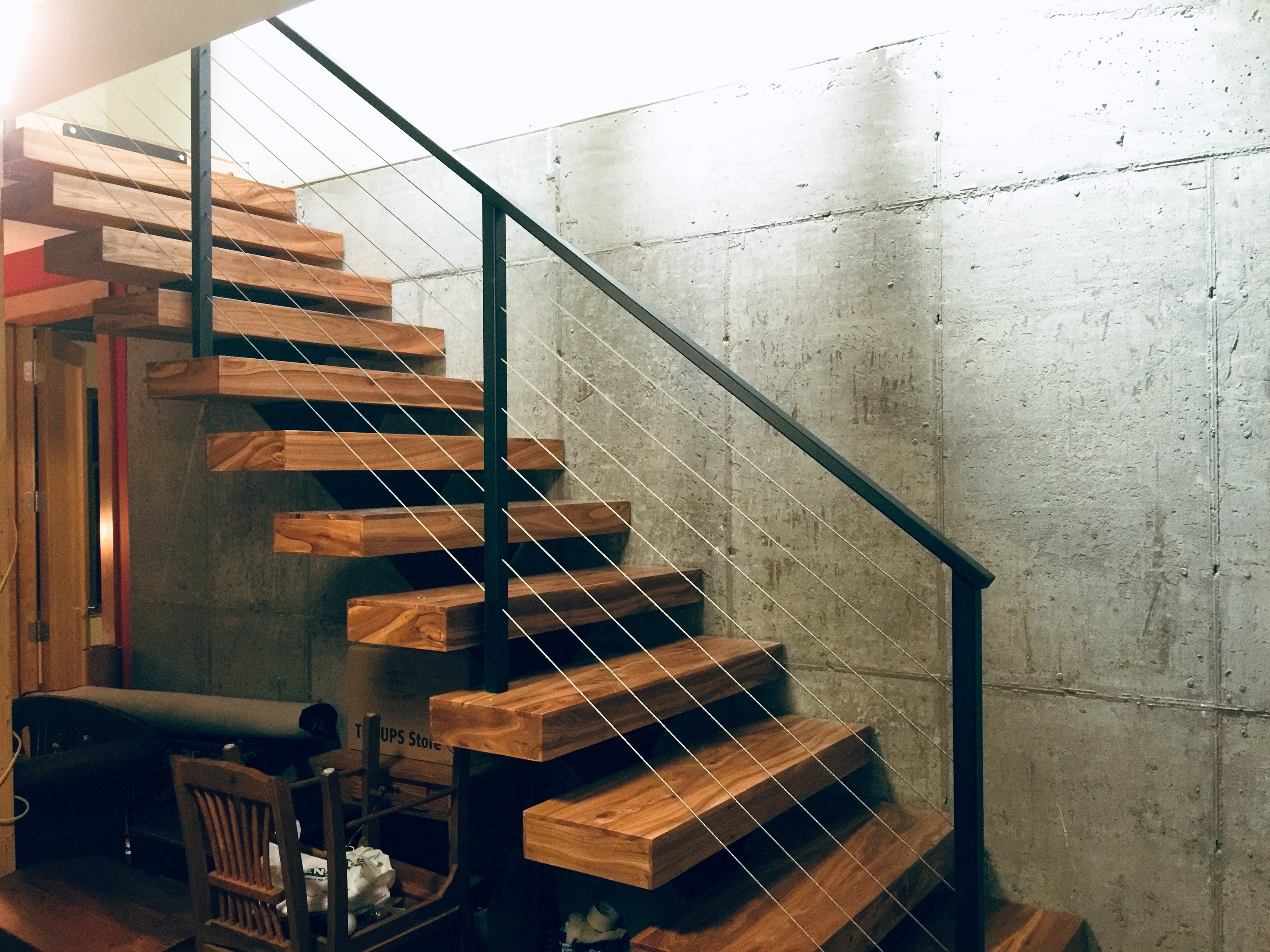Single stringer staircase
