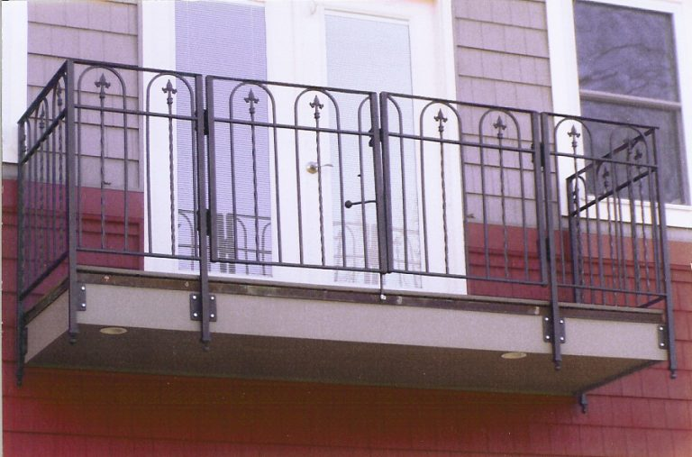 outdoor wrought iron railing