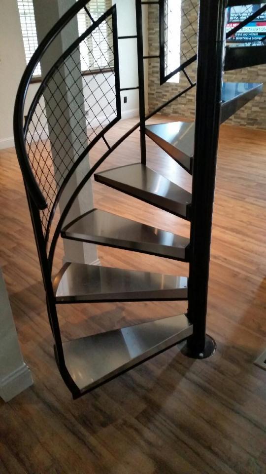 spiral staircase mesh railing