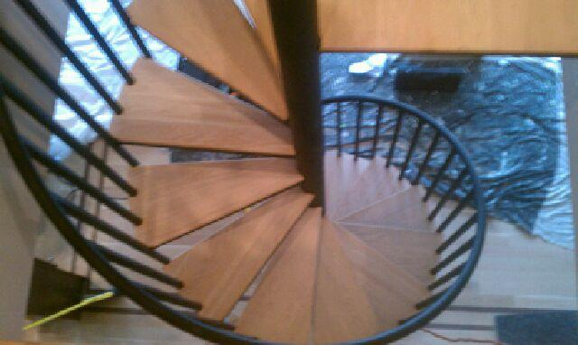 spiral staircase wood treads