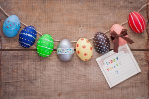 3 Ways to Decorate Your Staircase for Easter