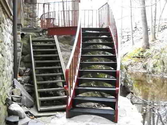 We Can Accommodate All Kinds Of Stair Layouts From Very Slight Curves And  Wide Radius, To 180 Degree Turns With Small Inner Diameters. Curved Metal  Stairs